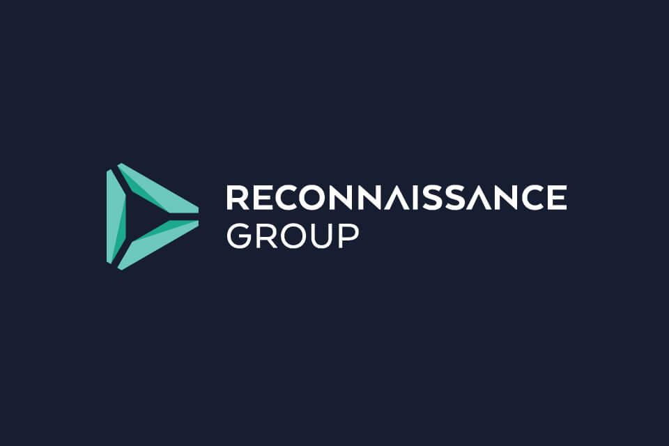 Reconnaissance vertical reversed logo